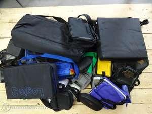 ca. 25 Taschen / Cases für Gameboy Konsolen